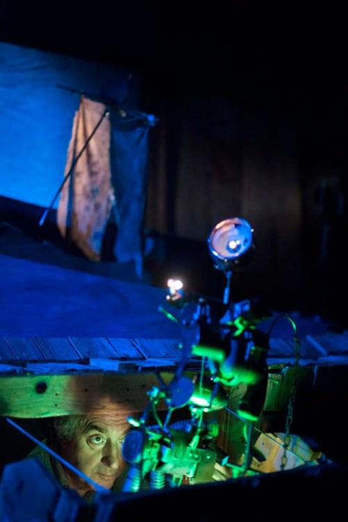 OMERO ODISSEA, Canto per oggetti e voce, regia Alessandro Tognon, 2018, foto di Serena Pea
